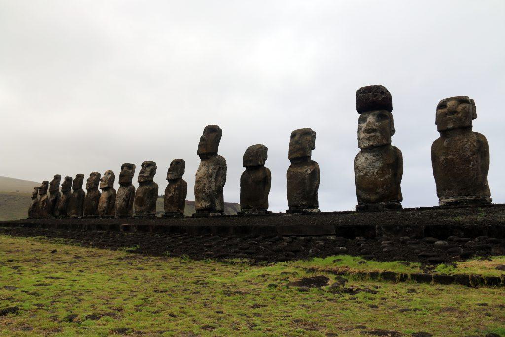 Tongariki. Ikoniske statuer