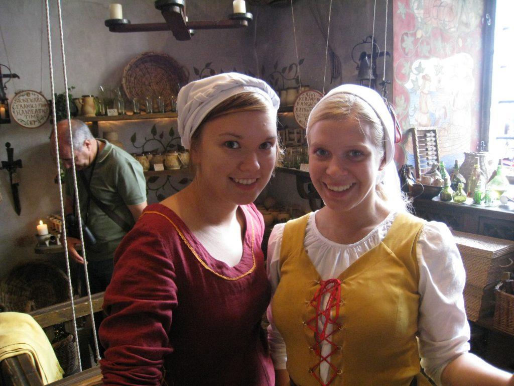 Søde estiske middelalderpiger, Olde Hansa