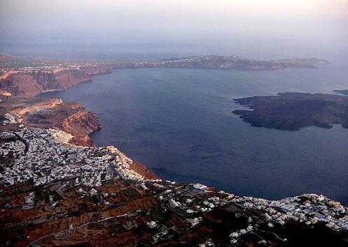 På kanten af krateret - ligger Atlantis herude?